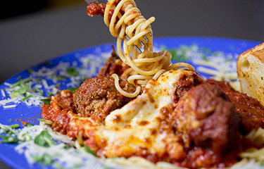 Spaghetti and Meatballs (Like Ya Mudda Shudda Made um!)
